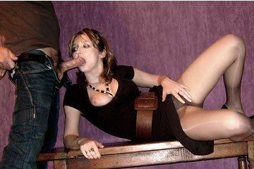 Egy rutinos modellfeleség pózolgat