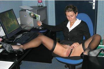 Igazán dögös irodavezető terpeszt be