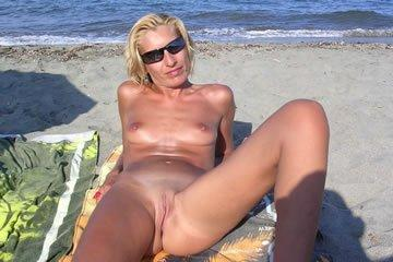 Puncivillantás a homokos strandon