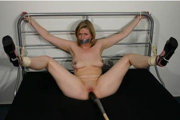 Judith kikötözős szexkalandjai