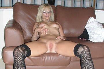 Isobel - egy szexi, szöszi háziasszony