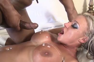 Interracial MILF szex