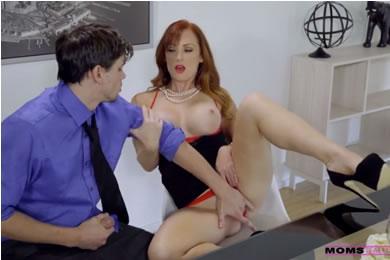 MILF családi szex